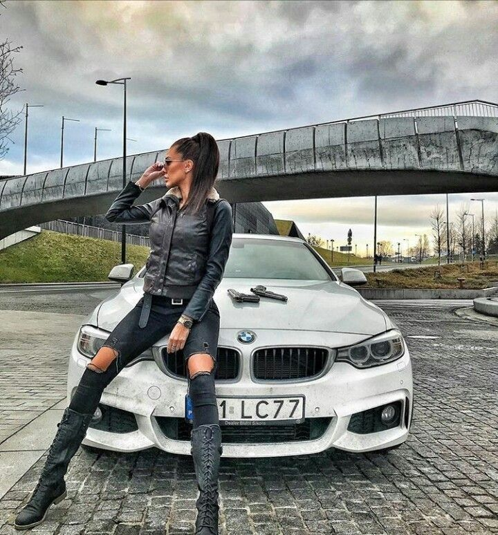 Pin By Katie Voss On Vintage Car Photo Shoot Bmw Girl Bmw Car Girl