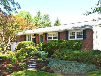 Guilderland Albany Home Sold By Christy Center Mrg Capital Region Albany Things To Sell