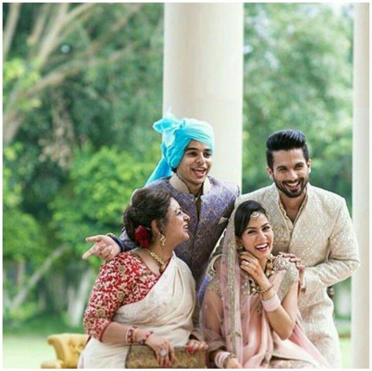 I Like This Picture Shahid Kapoor Wedding Wedding Group Photos Bollywood Images