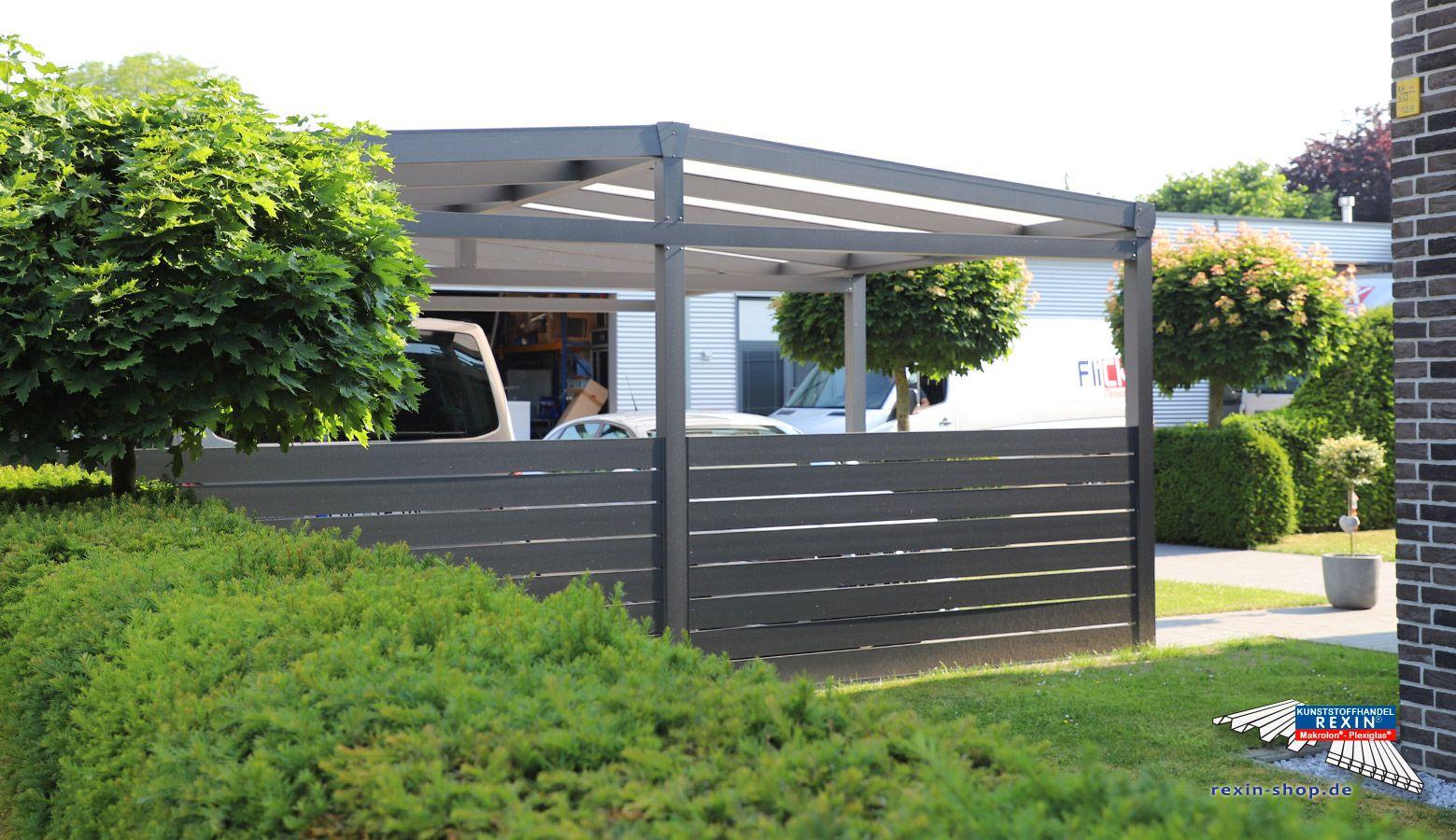 Ein Alu Carport Der Marke Rexoport 6m X 6m In Anthrazit Bei Diesem Freistehenden Aluminium Doppelcarport Mit Satteldach Carport Satteldach Alu Carport Carport