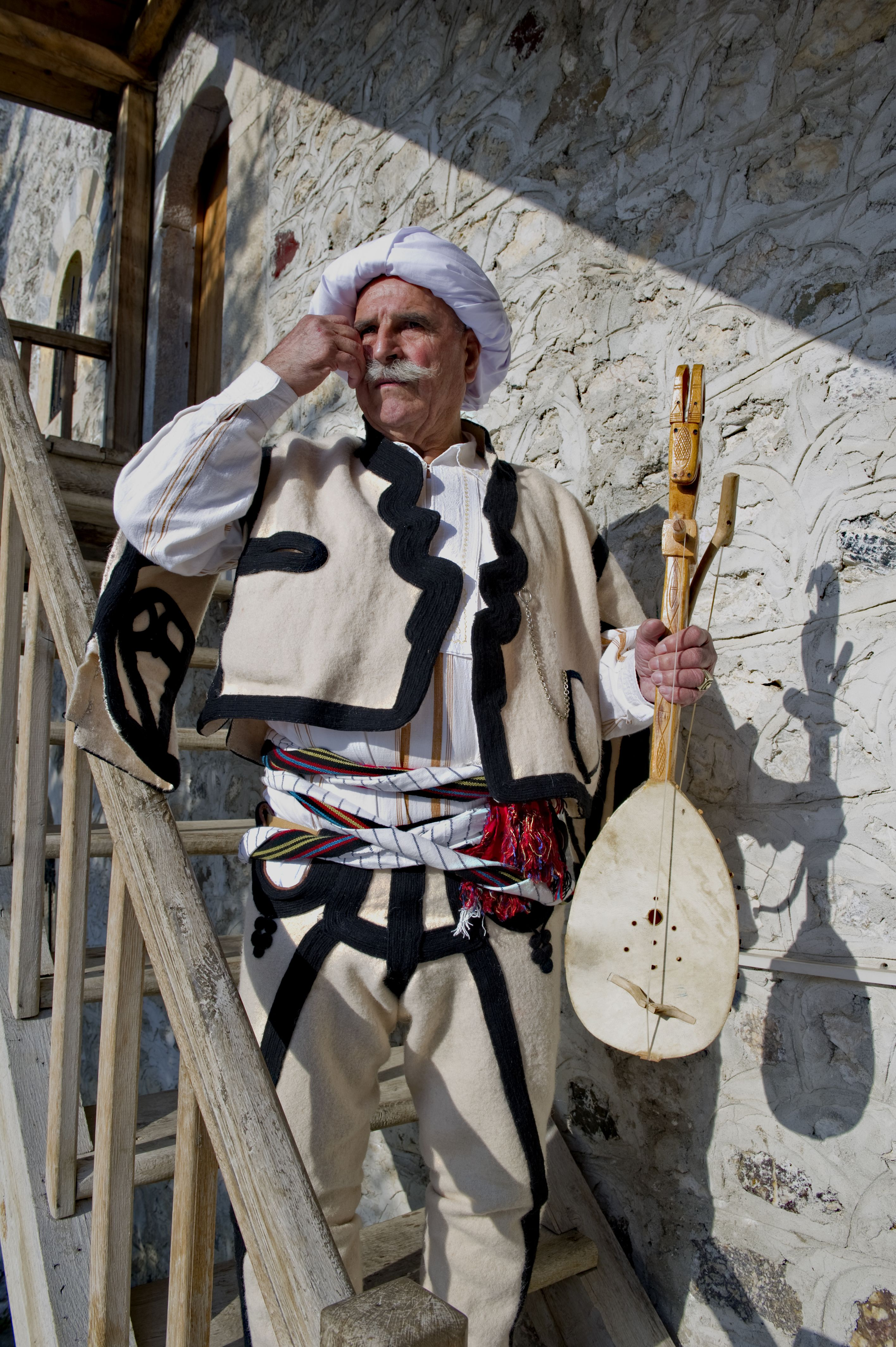 Dativ albanisches Mädchen
