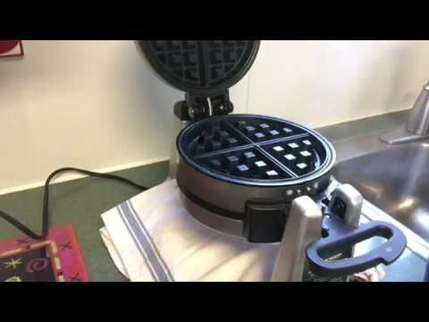 It Is Not Really Hard To Clean Waffle Makers With Either Removable Or Non Removable Plates In This Article We Will Sh Waffle Iron Waffles Double Waffle Maker