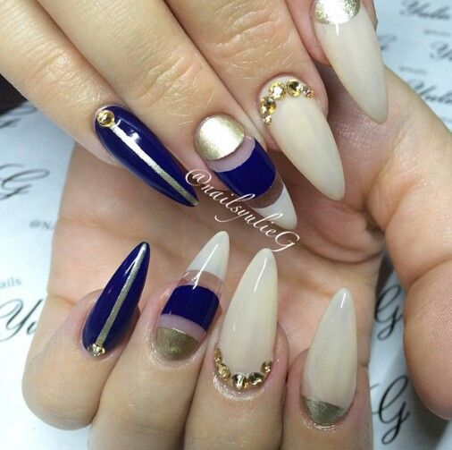 I love❤ this navy & gold set!   nail art   Pinterest   Gold set ...