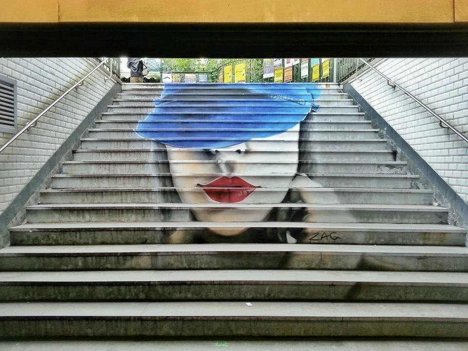 Par ZAG, sortie de métro St Germain des Près à Paris