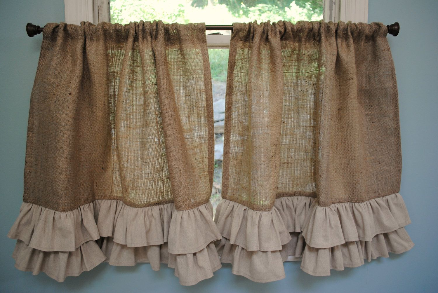 Best 25 burlap kitchen curtains ideas on pinterest for Kitchen valance ideas pinterest