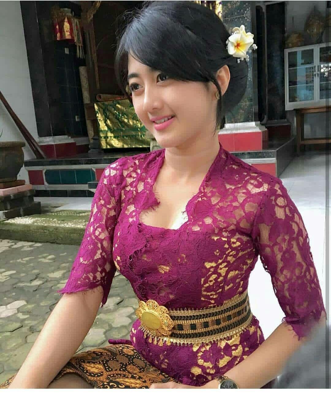Pakaian Adat Bali Perempuan