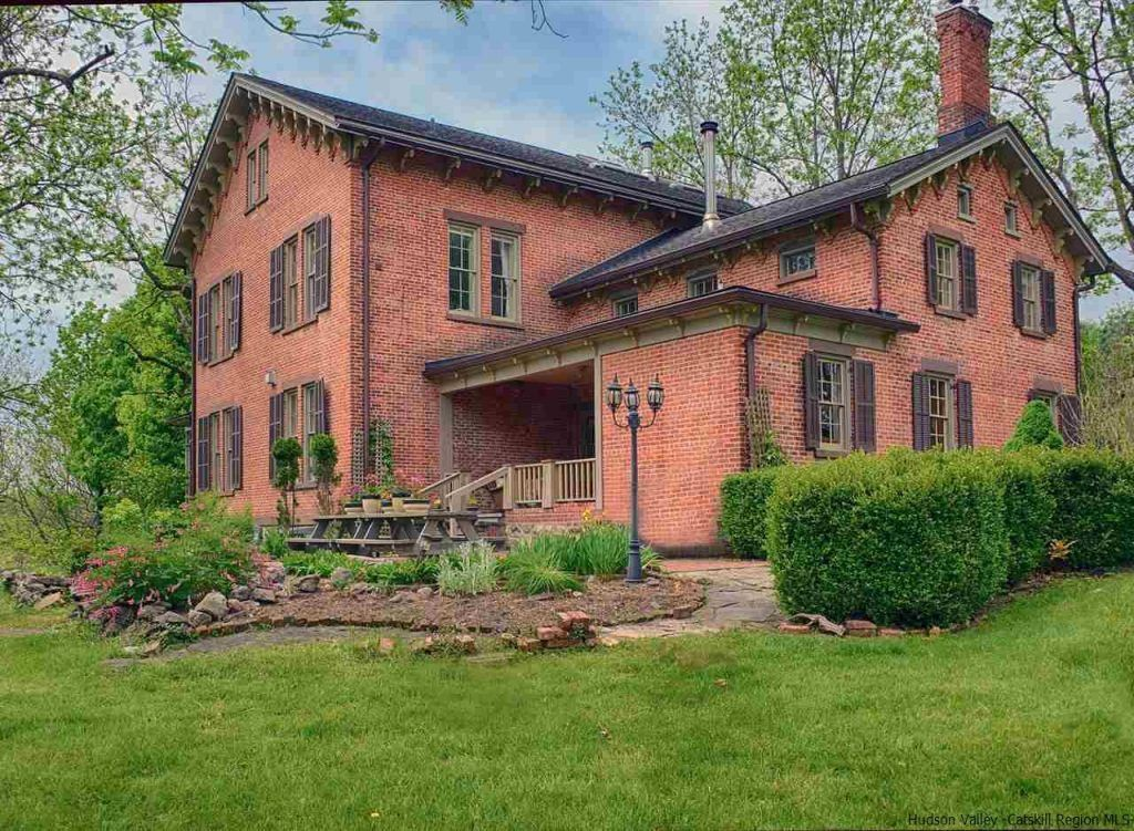 54acre estate with ponds, a cottage, and a 19th century