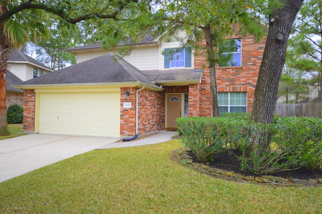 Beautiful 2 Story Home Located In Kingwood Did Not Flood In