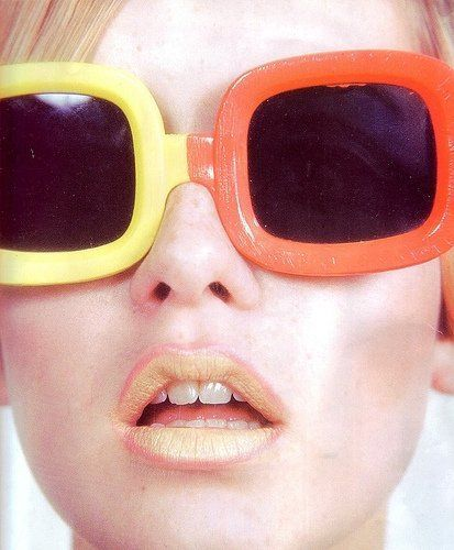 dc0541962b My style icon Twiggy shows us how to rock colorful oversized sunnies. 60 s  fashion