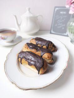 Éclairs ~ perfekt gefüllt mit Vanille ❤ un petit morceau de bonheur.