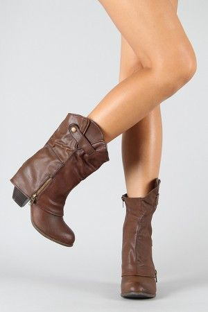 I love that foldover look at the heel. I have a taller boot that has that, but these are just adorable. I want.