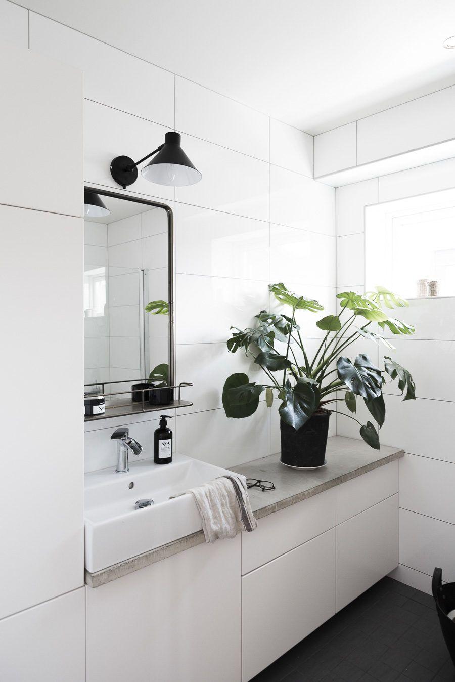 Äntligen ett färdigt badrum byggt med IKEAs köksskåp | Mormorsglamour