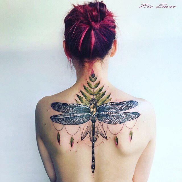 Diese Exotischen Blumen Sind Die Perfekten Tattoos Fur Diese Tropischen Temperaturen Libelle Tattoo Schone Tattoos Tattoos