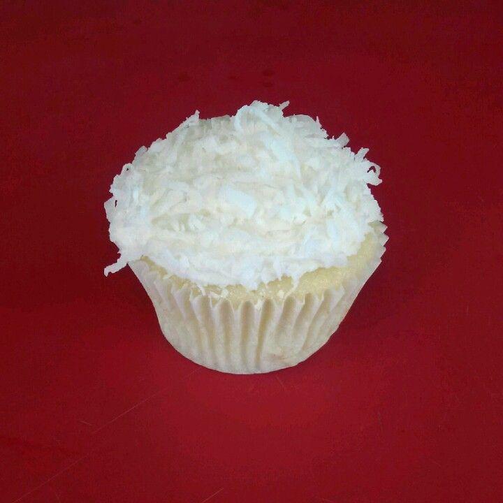 Snowball cupcake * (vanilla coconut)