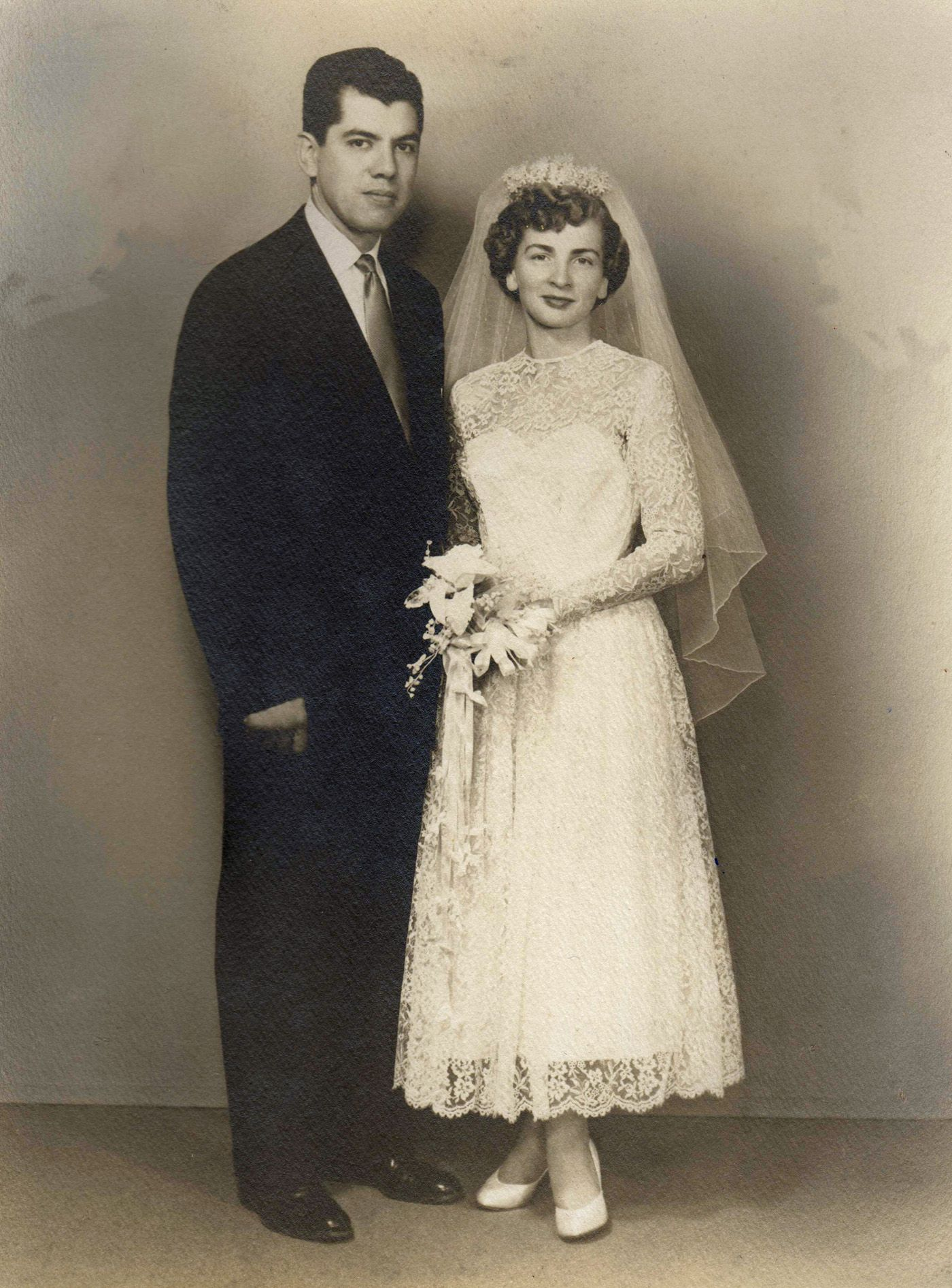 My mother made her wedding dress circa noiva pub pinterest