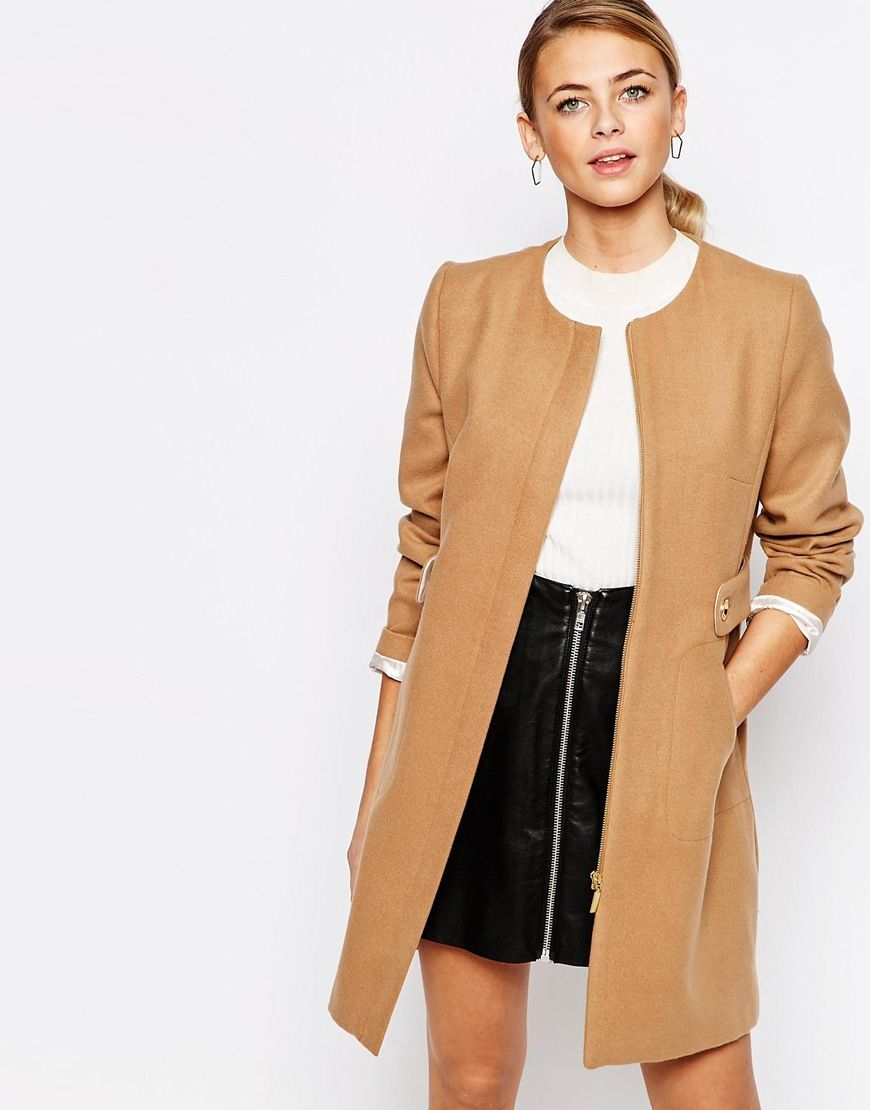 7bd6a3ef02f2 Classic combination - Camel coat, white top, black skirt and shoes ...