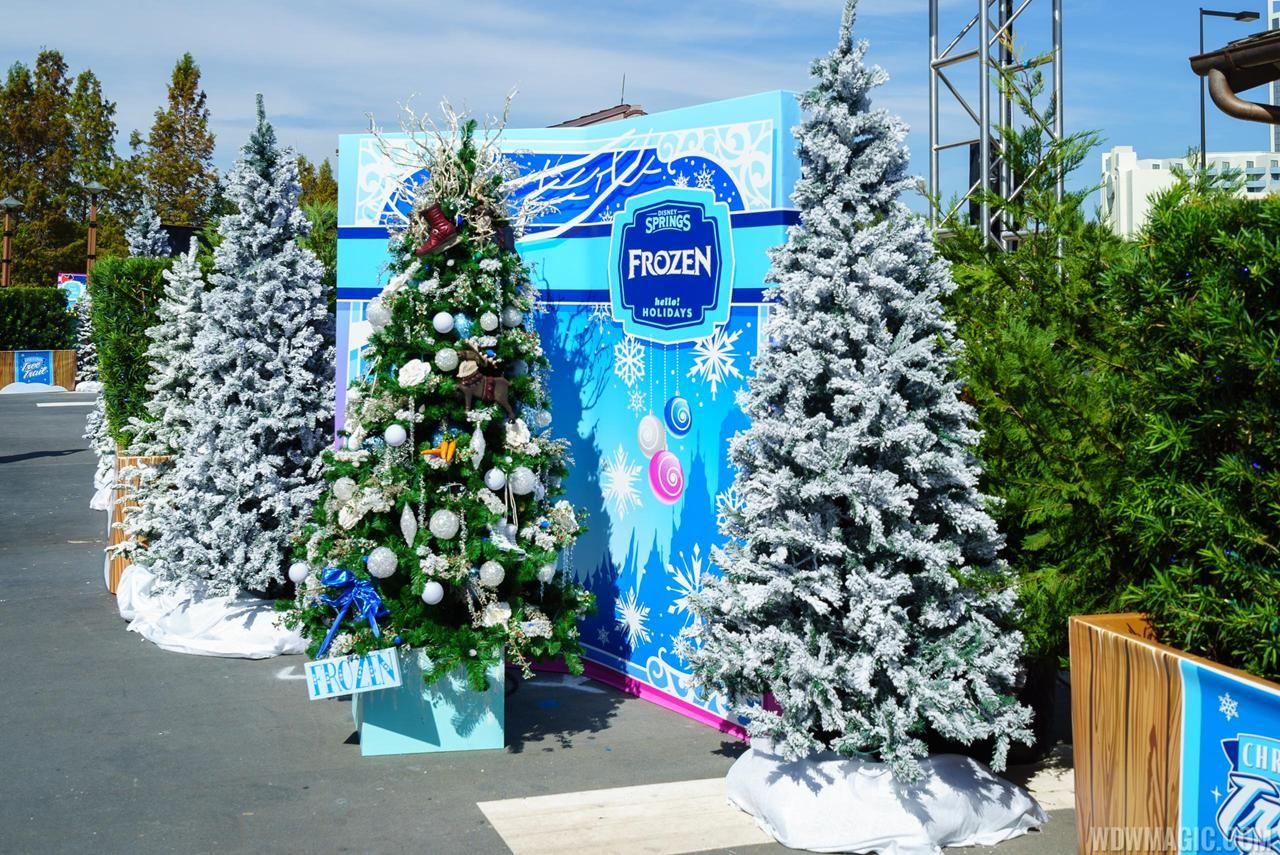 christmas tree disney springs