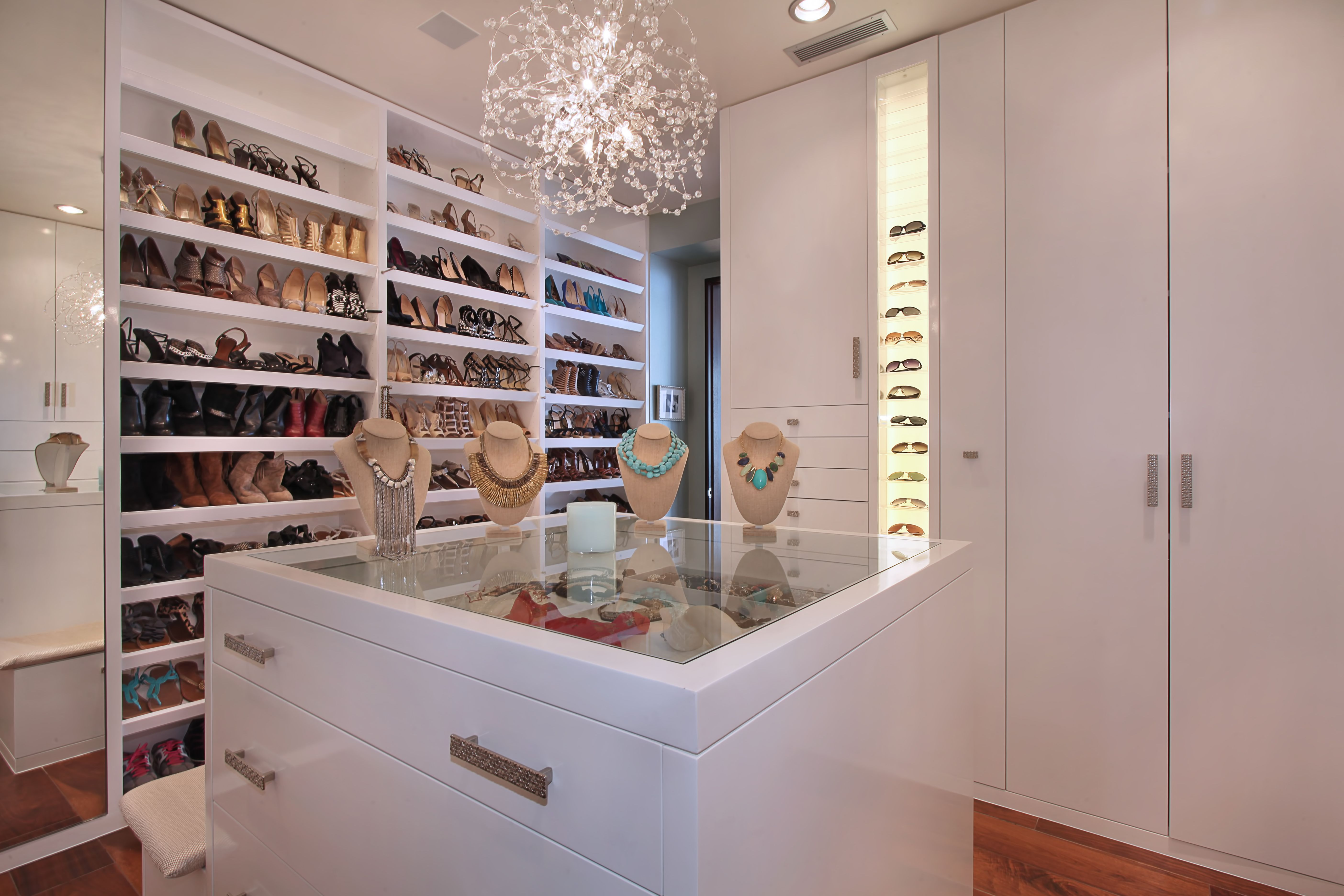 Closet With Sunglasses And Jewelry Display By Jkoegel Via Flickr Dressing Room Design Closet Storage Design Closet Island