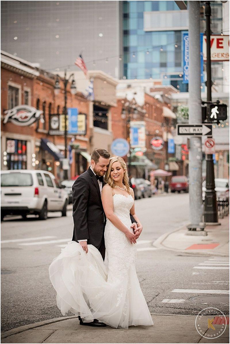 Colony Club Detroit Atheneum Hotel First Look Grewn Wedding Gem Events Michigan Photography