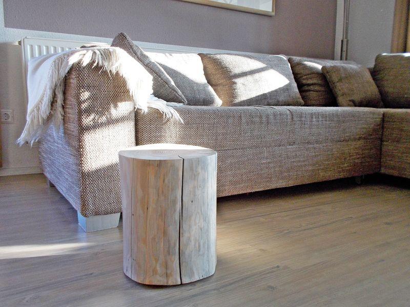Beistelltisch Holzstamm von natuerlich-gebraucht auf DaWanda - wohnzimmer landhausstil gebraucht