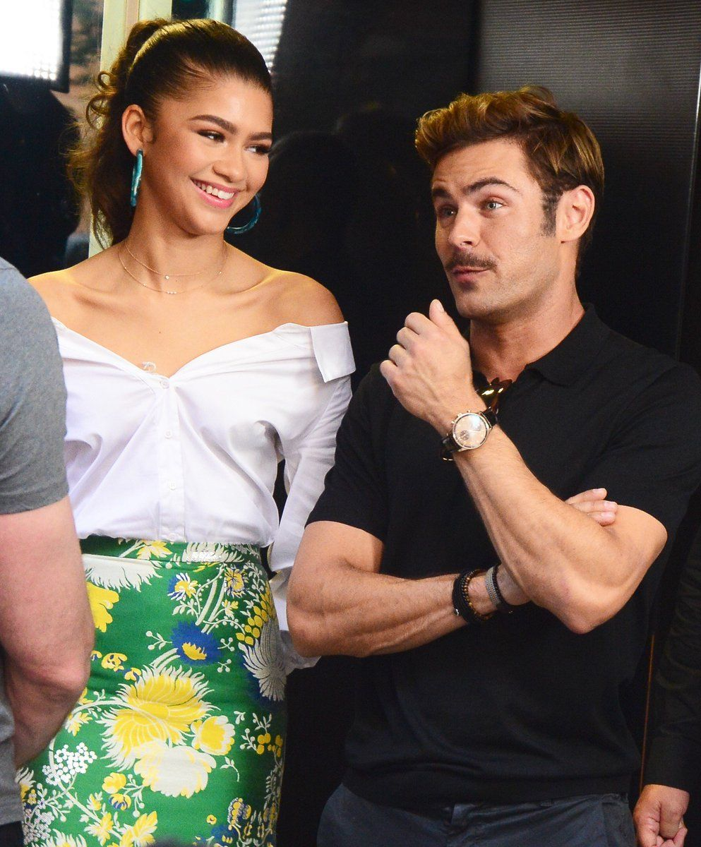 Zendaya dating efron