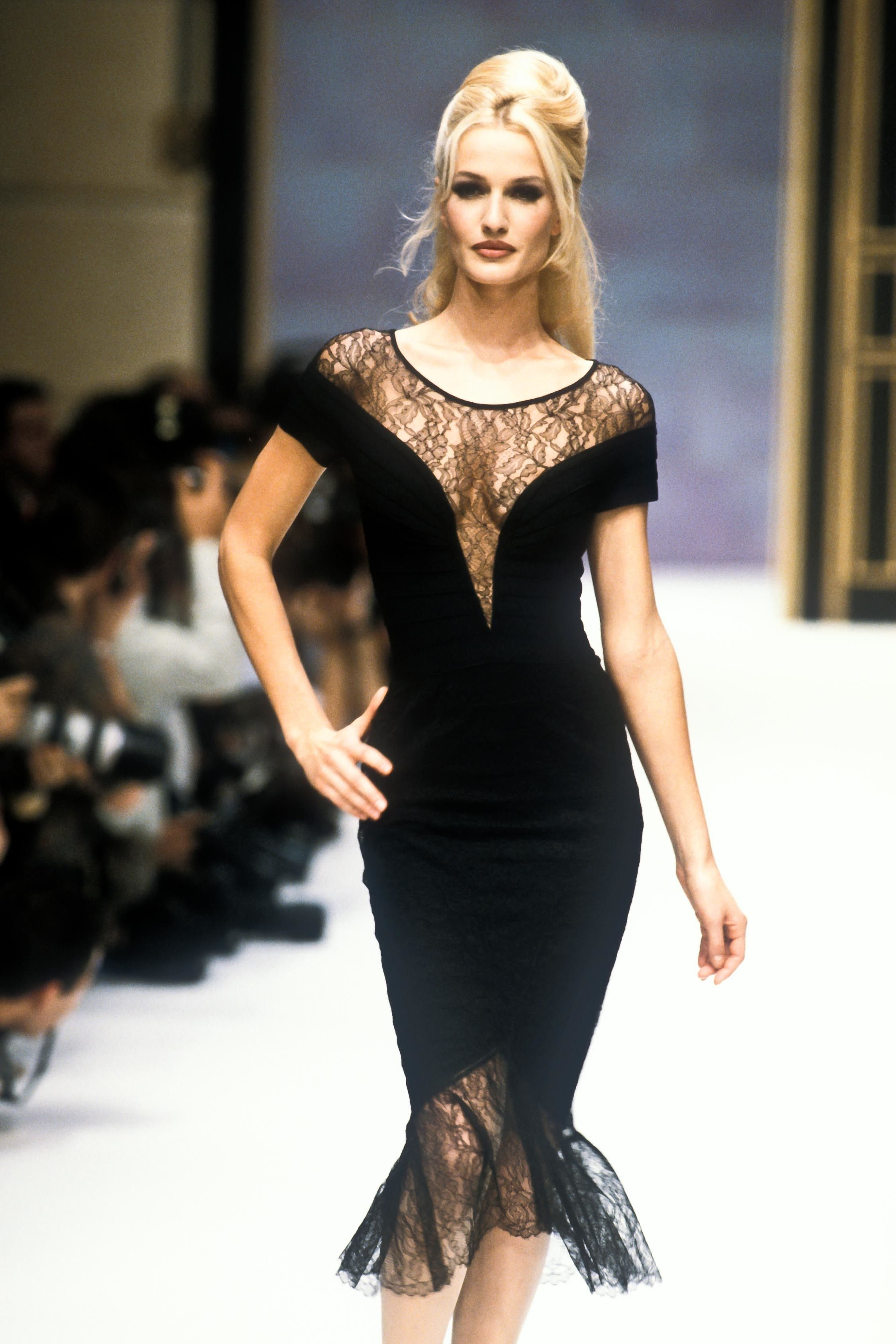 b30323e4f3e2 Herve Leger Ready-To-Wear Spring Summer 1996