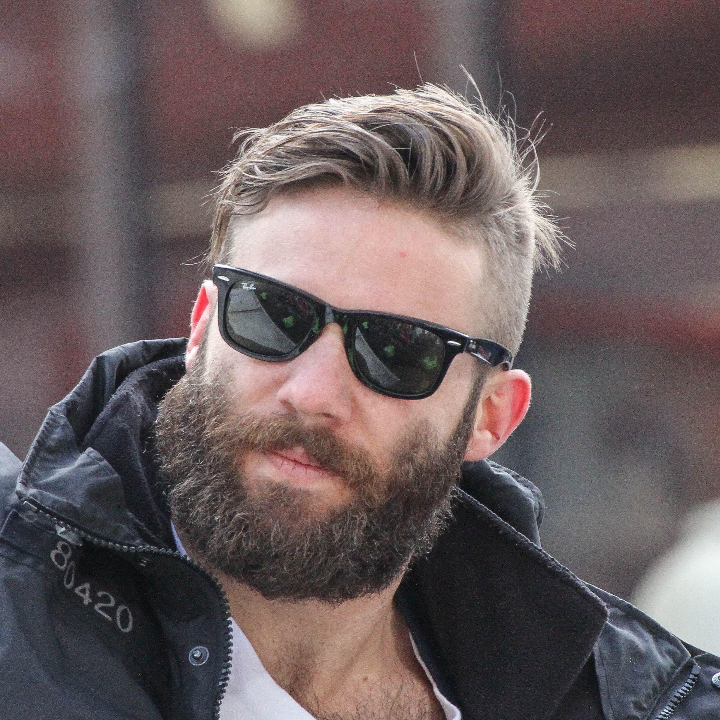 Julian Edelman Haircut In 2020 Julian Edelman Julian Edelman Beard Mens Hairstyles