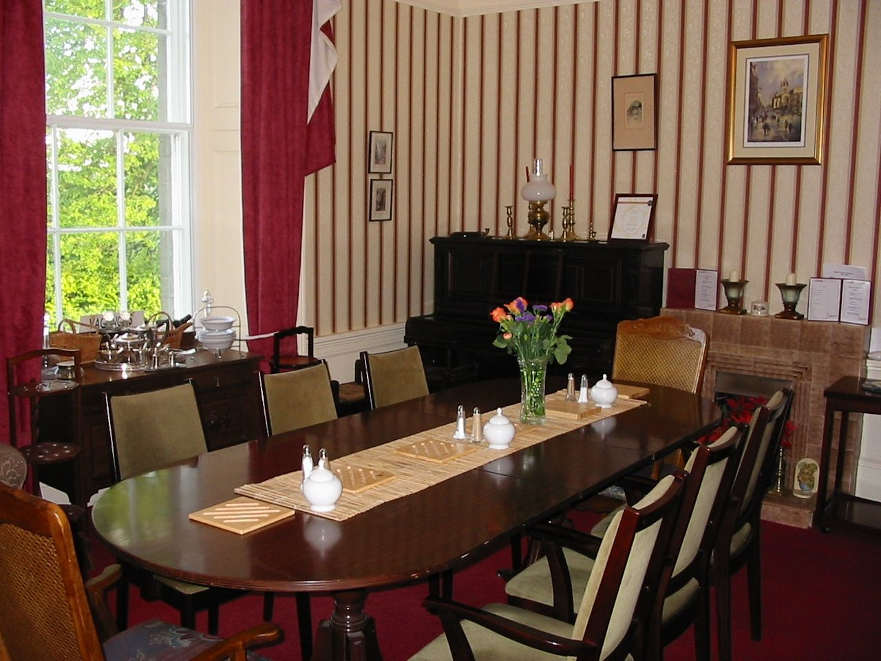 Room Colonial Style Dining Furniture