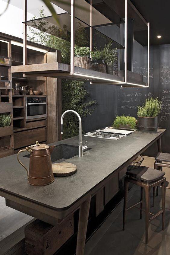 Cuisine avec îlot central et étagères suspendues    www - cuisine avec ilot central et table