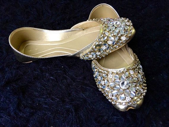 869a38b9122a Kunjan khussa Bridal Shoes Flats Silver Wedding Handmade Flats for women  Asian Style for bridals Stone
