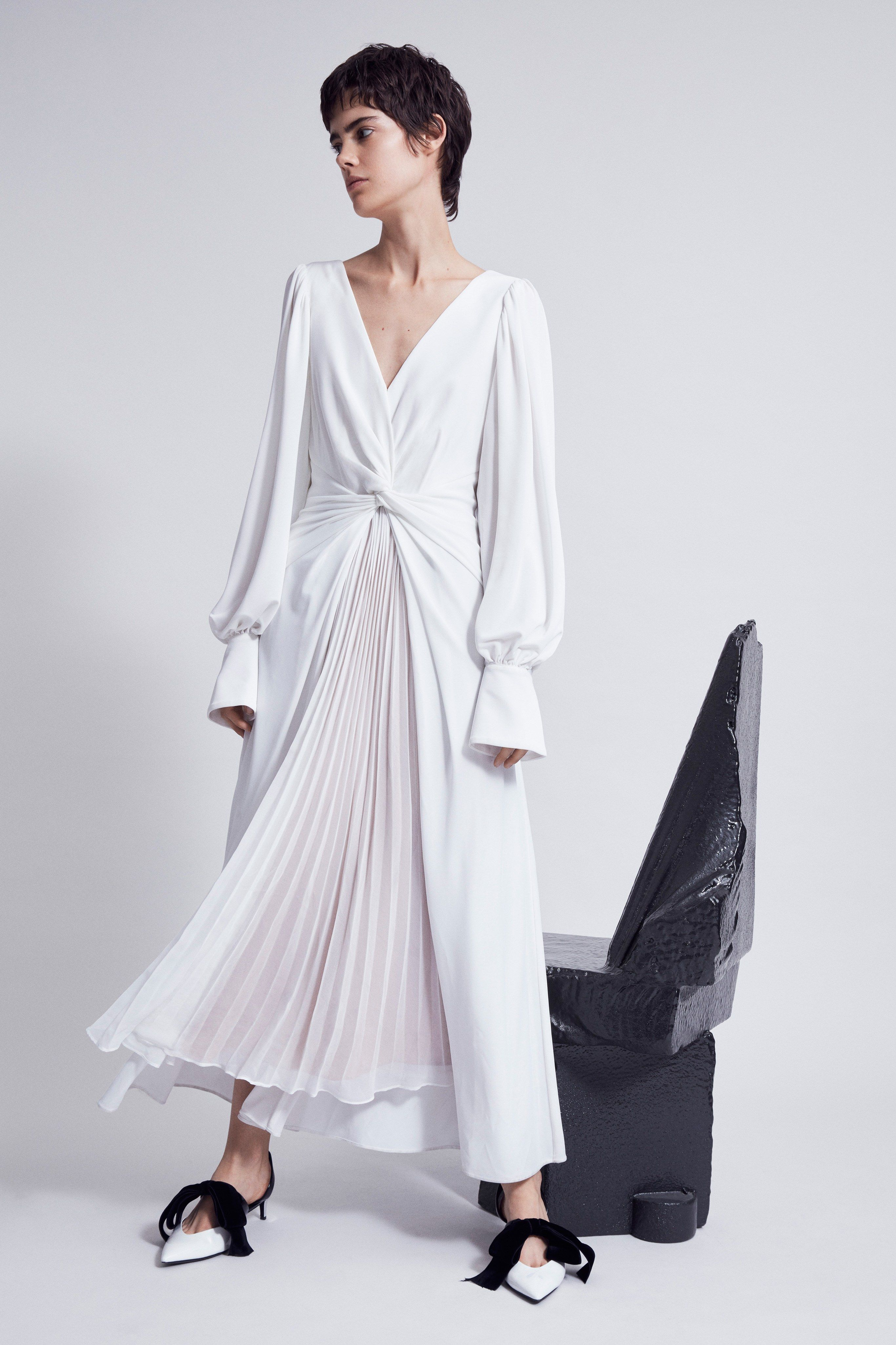 9081717ff8a9a Self-Portrait Resort 2019 New York Collection - Vogue Shirt Style