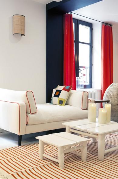 applique sperone bleu sarah par maison sarah lavoine. Black Bedroom Furniture Sets. Home Design Ideas