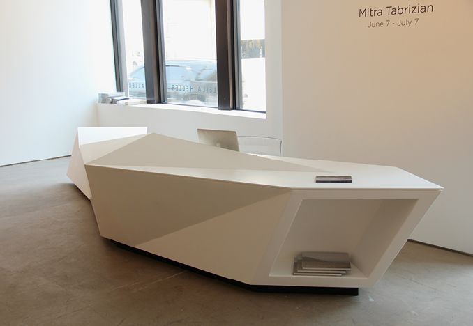Desk from situ fabrication receptions lobbies for Mueble recepcion