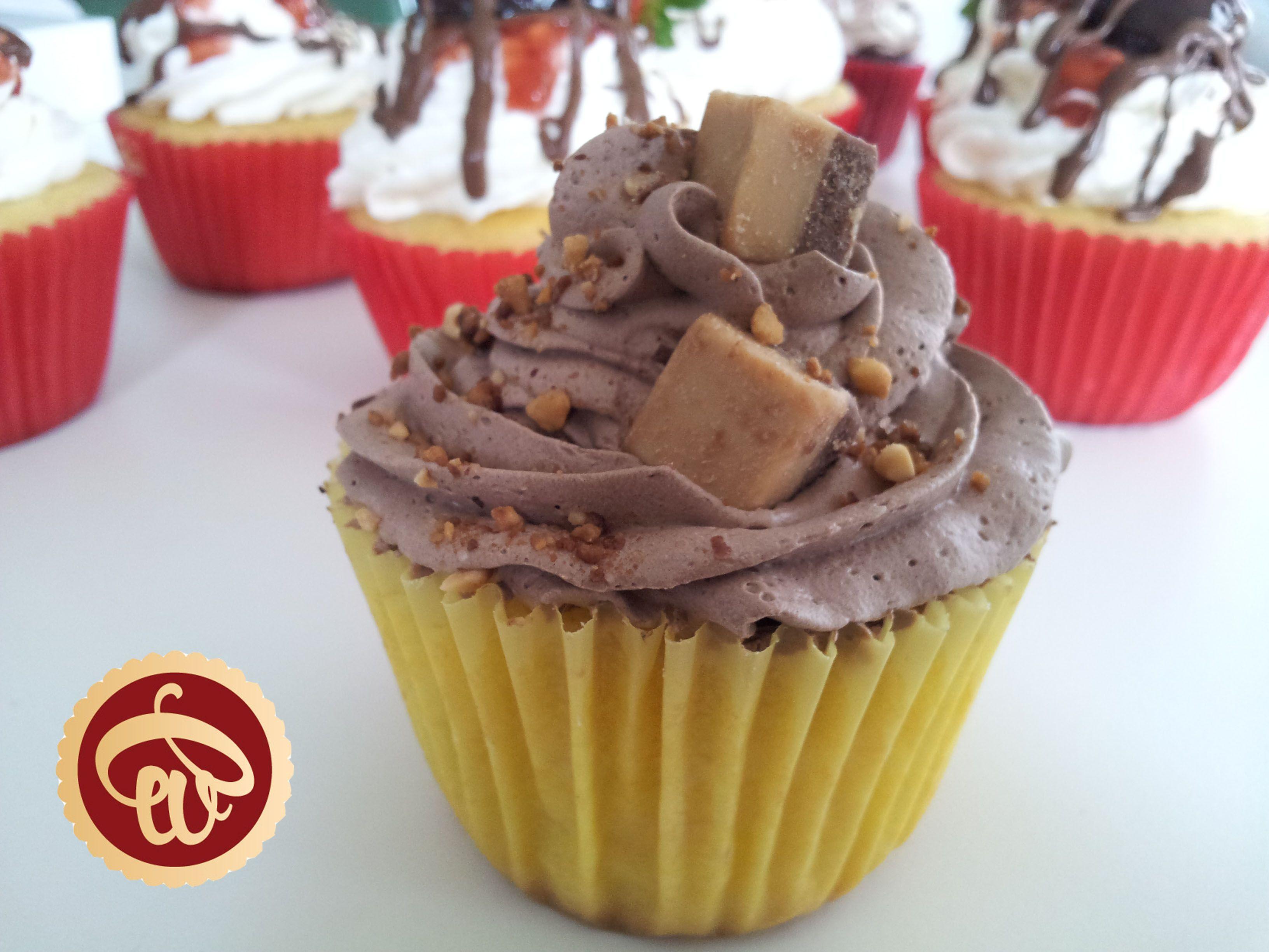 Crema Marroc: Esponjosa torta de vainilla rellena con crema de ...