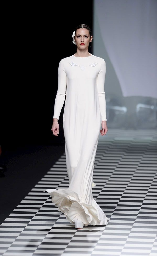 vestidos de novia de mercedes benz fashion week madrid #boda