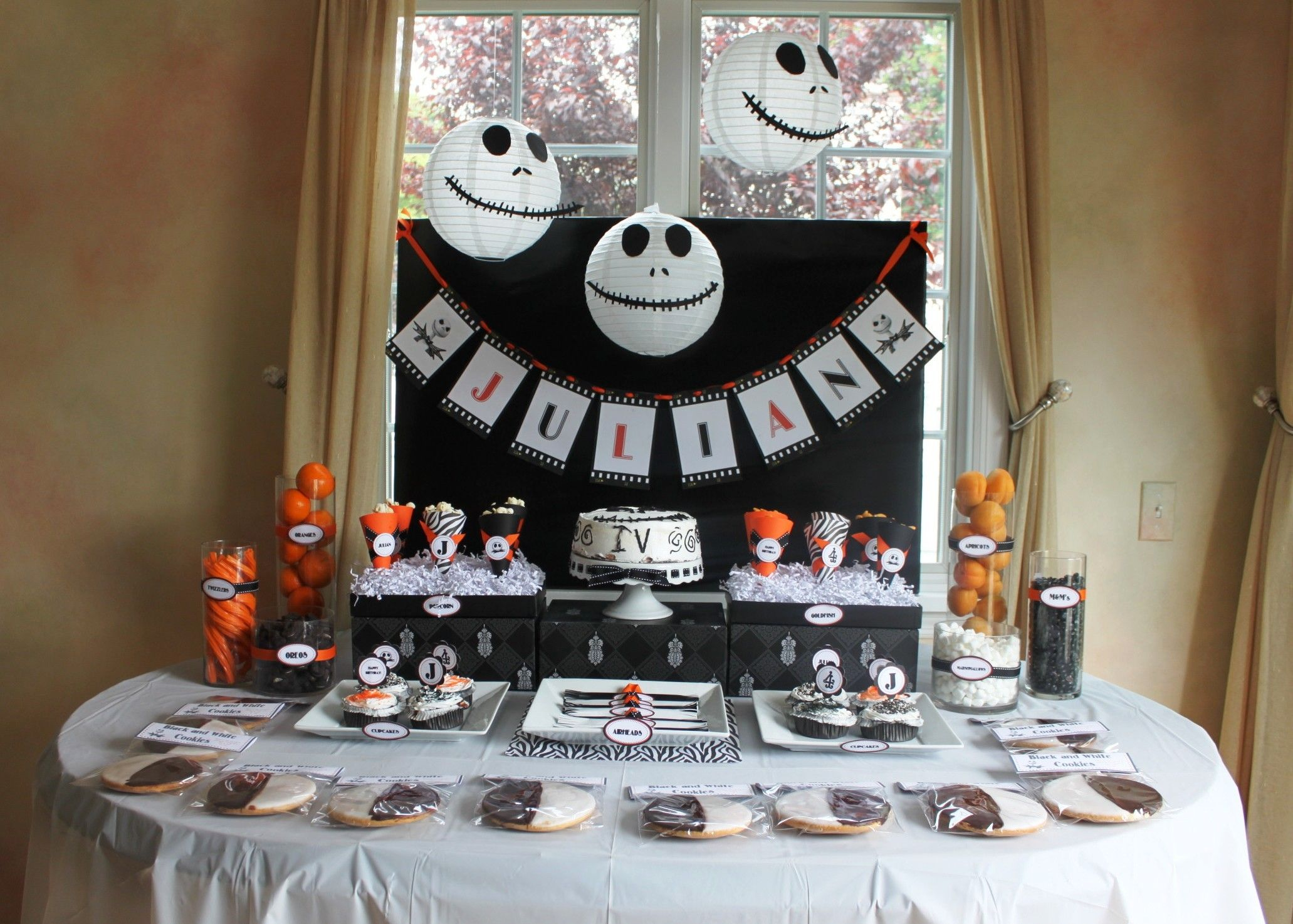 a nightmare before christmas party - Nightmare Before Christmas Birthday Decorations