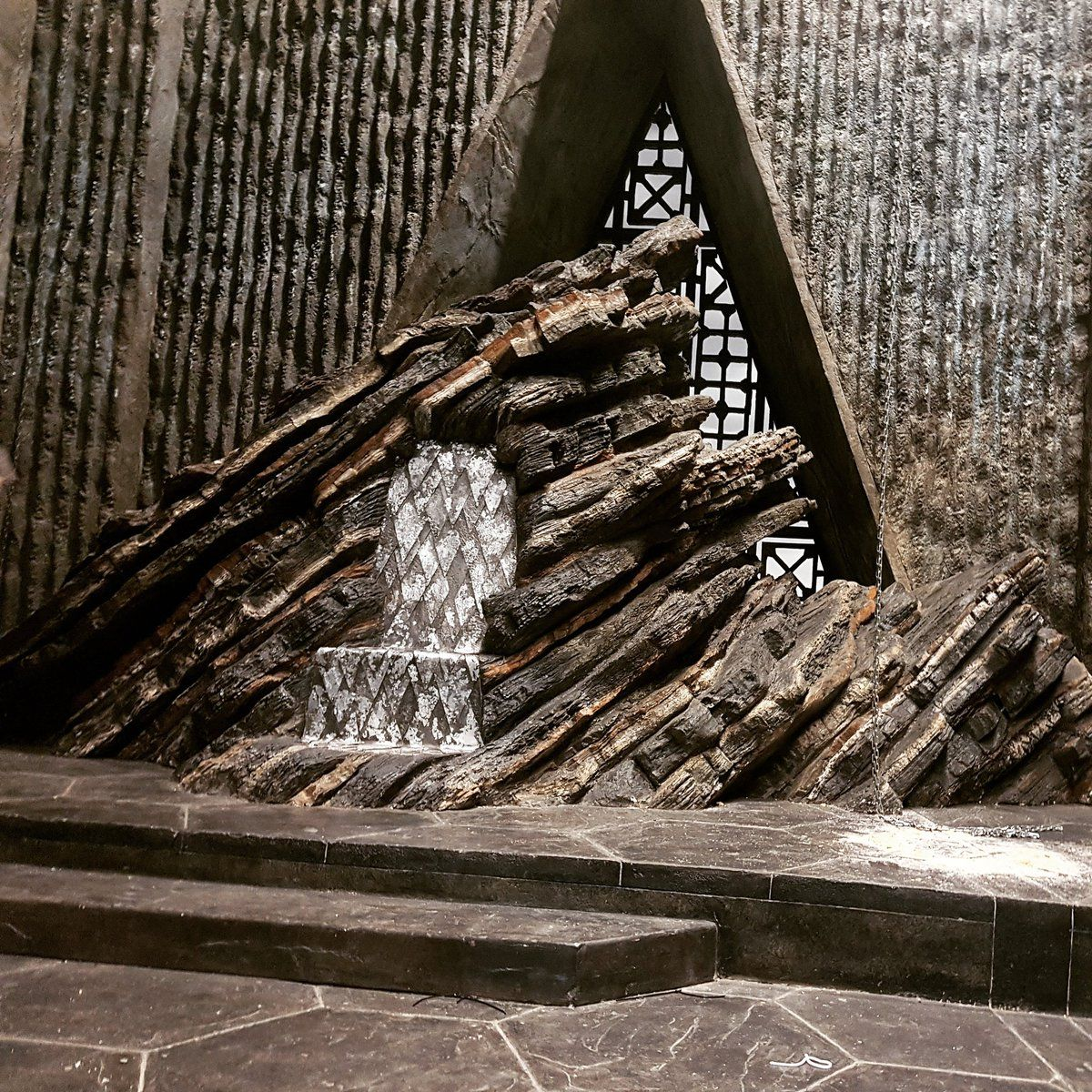 Dragonstone castle in 2020 game of thrones set throne