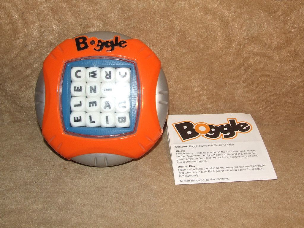 Boggle With Electronic Timer And Rules Parker Games Board Games