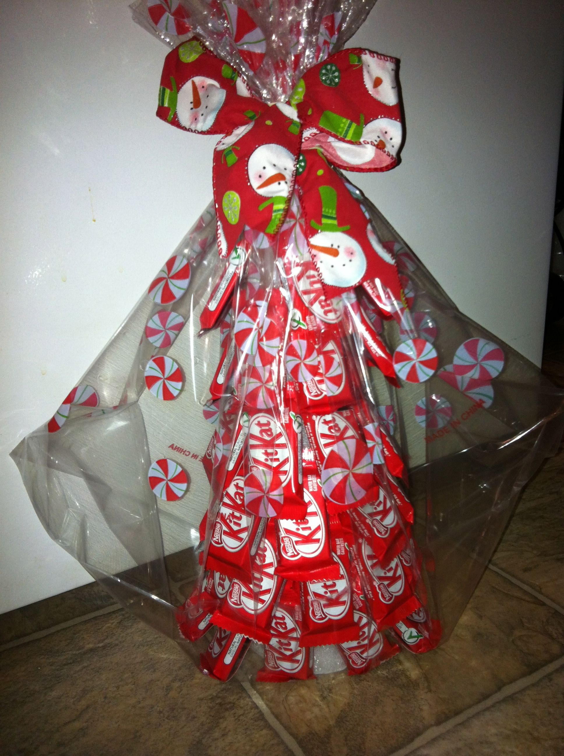 Kit Kat Christmas tree:) | christmas gifts | Pinterest | Christmas ...