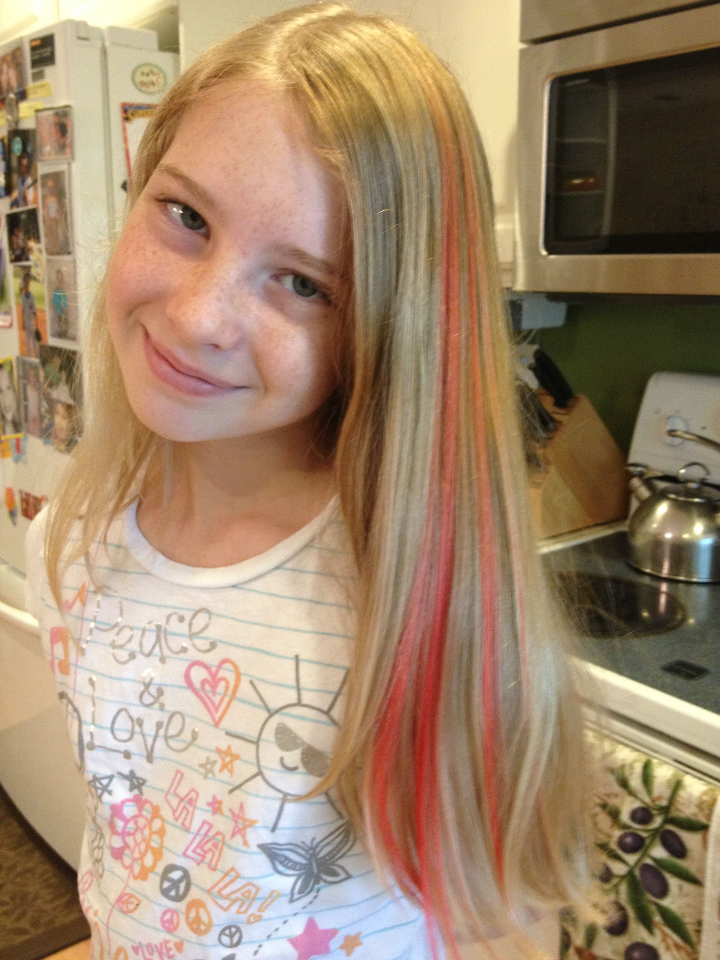Red Kool Aid Dip Dye Hair I Used A Pack Of Watermelon And A Pack Of Pink Lemonade Boiled Followed By A Pink Lemonade And Conditioner Paste To Try And Lighten I