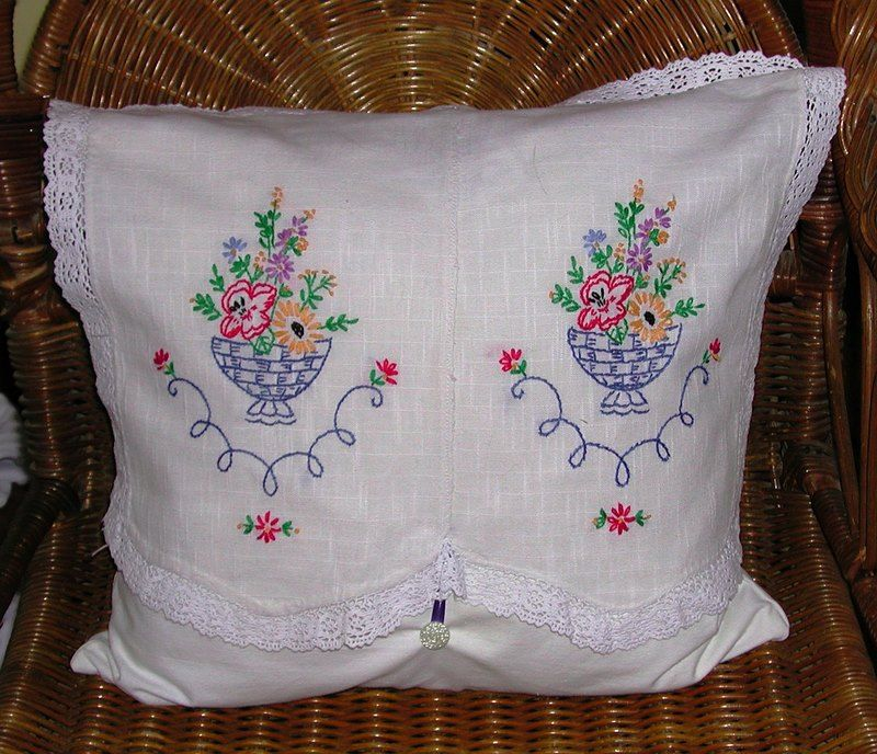 HAND EMBRIODERED PILLOWS HAND EMBROIDERED PILLOW CASES