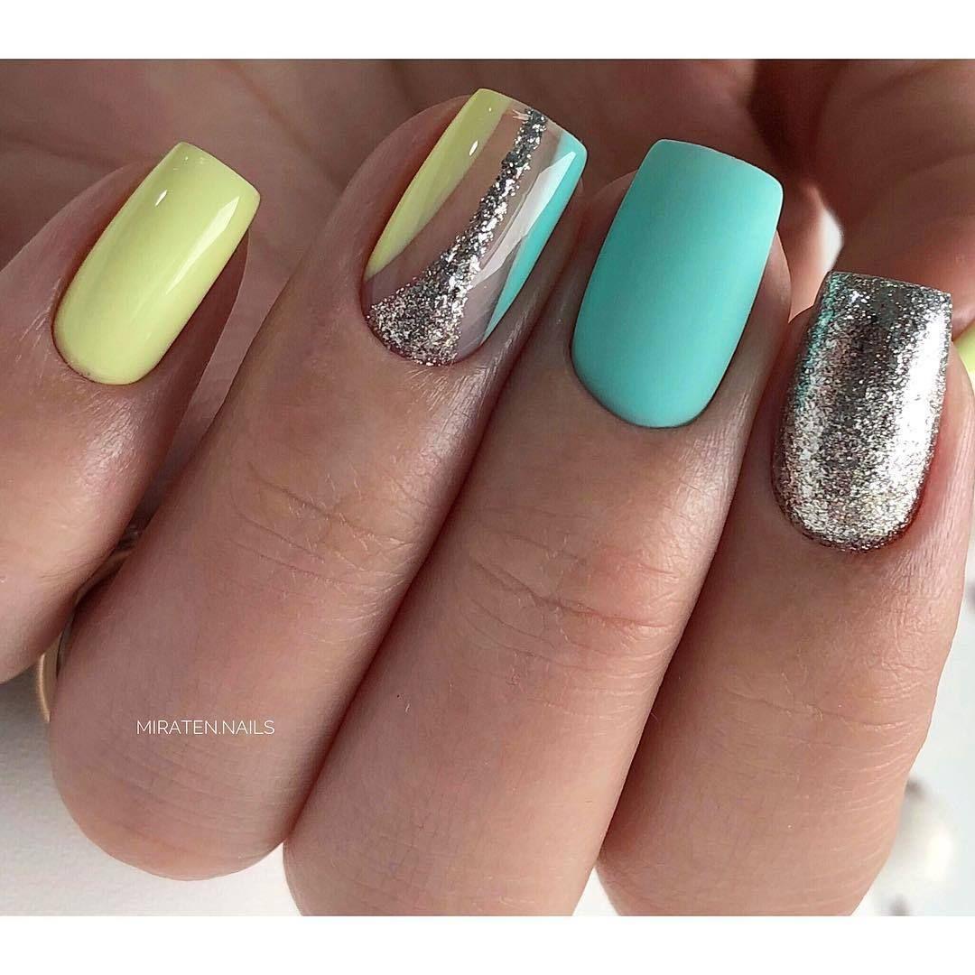 Bright Summer Nails Glitter Nails Nails Trends 2018 Original Nails Stylish Nails Summer Nails To The Sea Two Two Color Nails Fashion Nails Stylish Nails