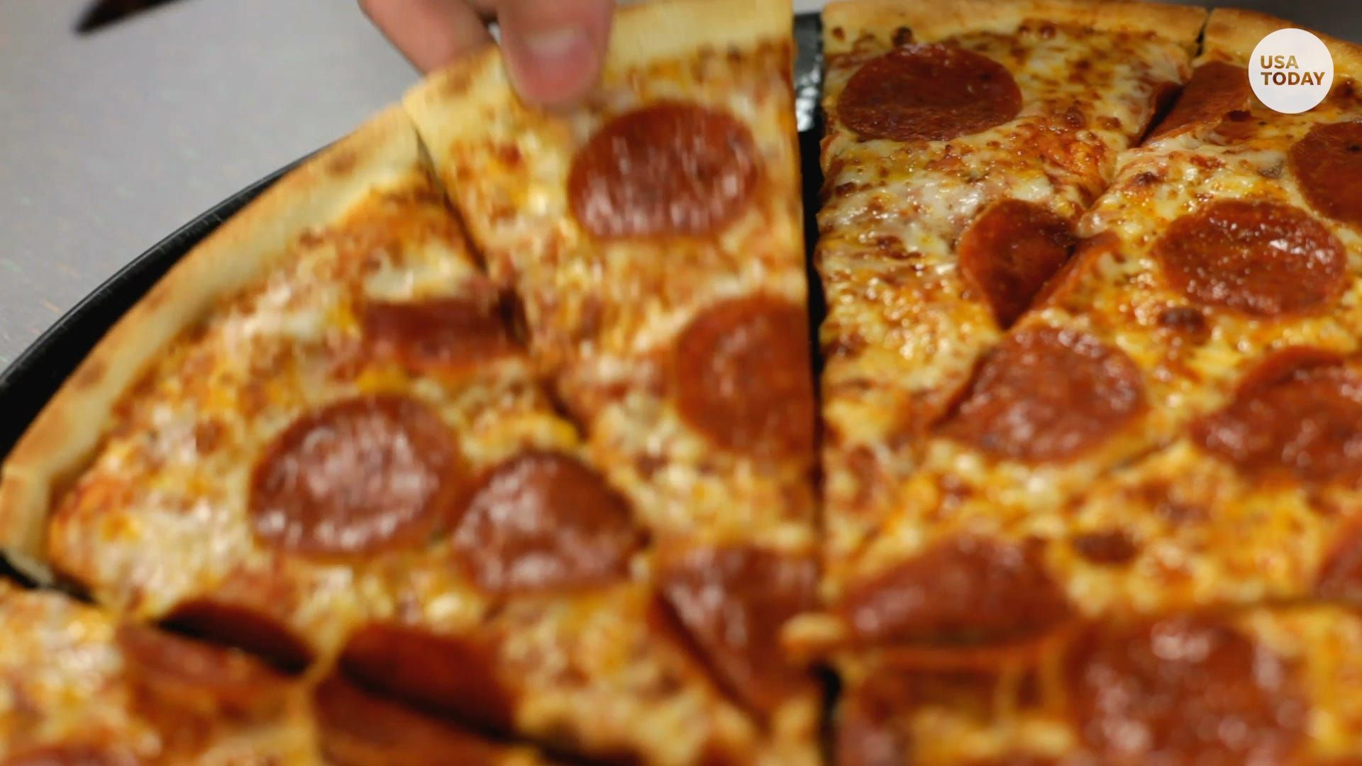 Get Free Pizza And Deals For National Pizza Day At Papa Johns Pizza Hut And More Sunday Usa Today House Decor Club Pizza Day National Pizza Pizza Hut
