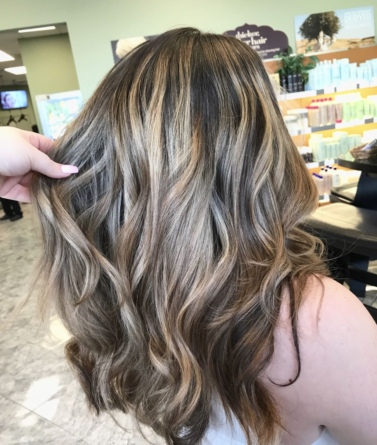 Beautiful light brown color blonde highlights | Blonde ...
