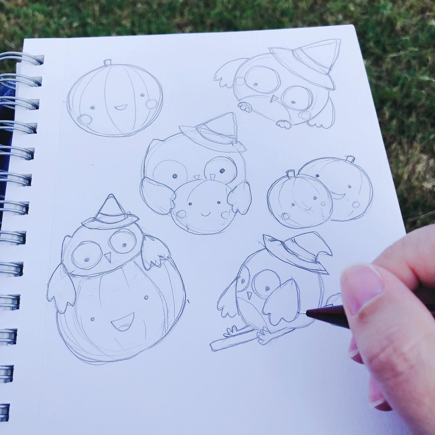 Doodling a Halloween Owl 🦉 sticker set while at my