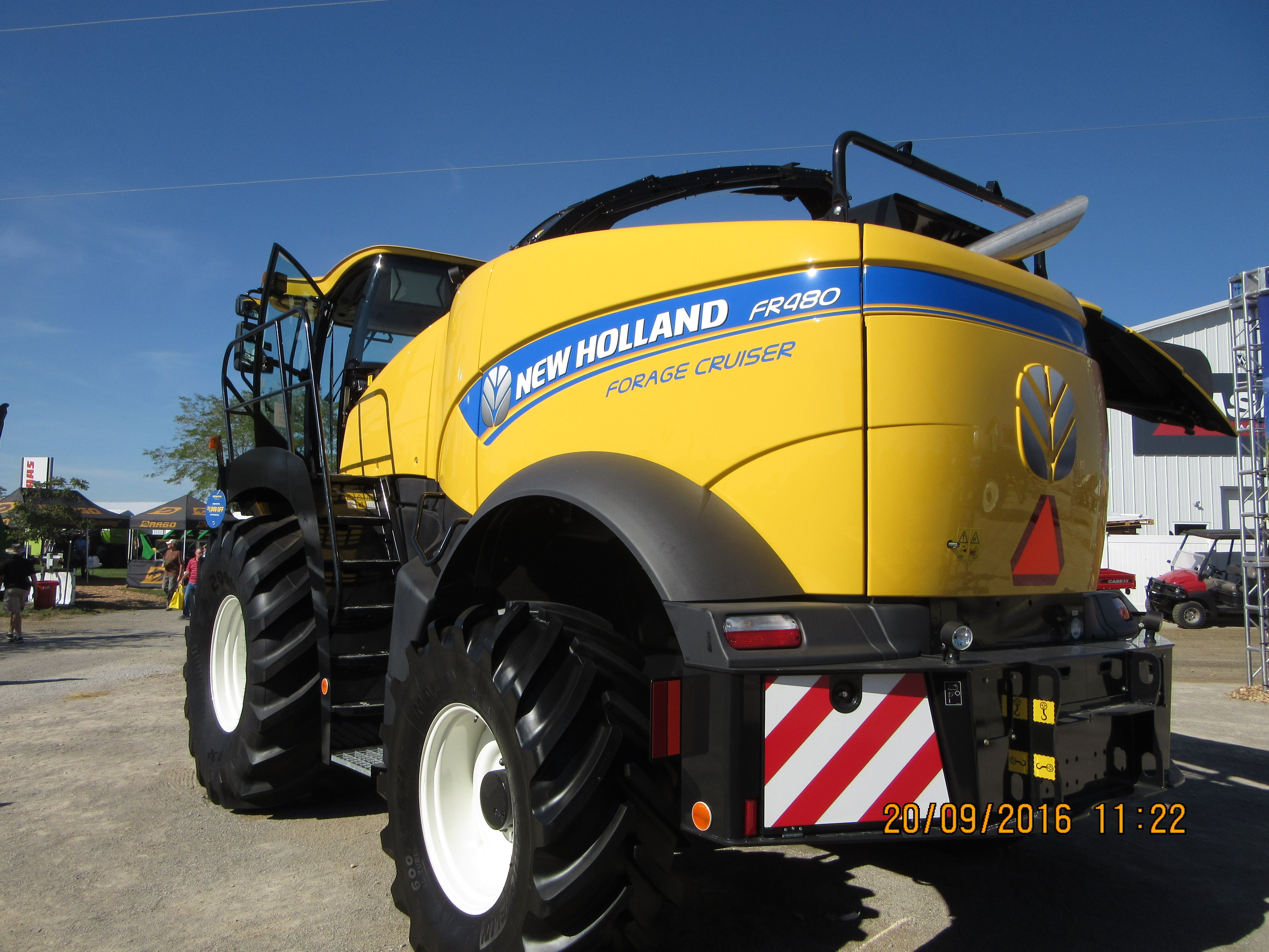 Rear of New Holland ER480 forage cruiser