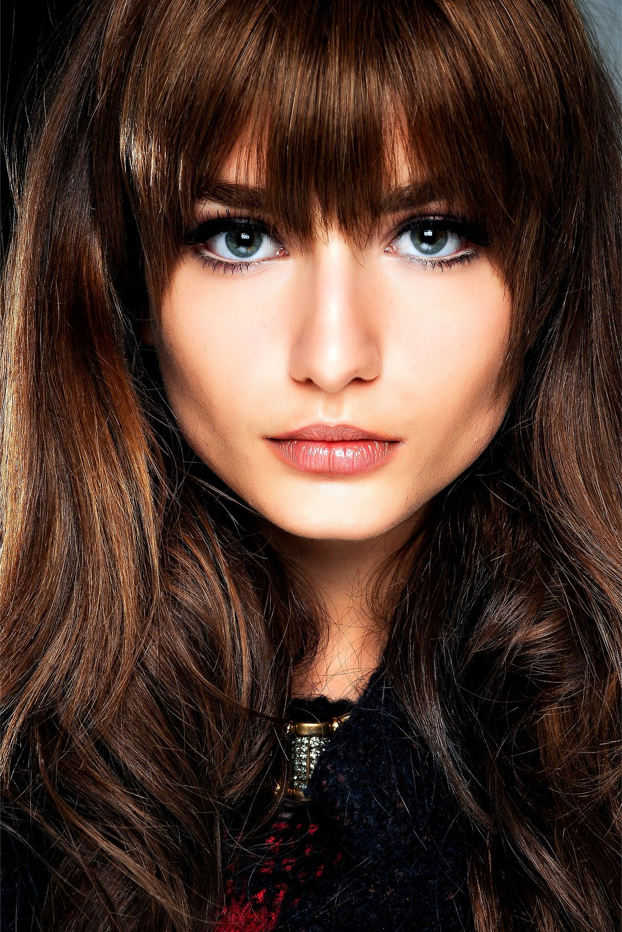 Brown hair with thick bangs peinados y maquillaje pinterest