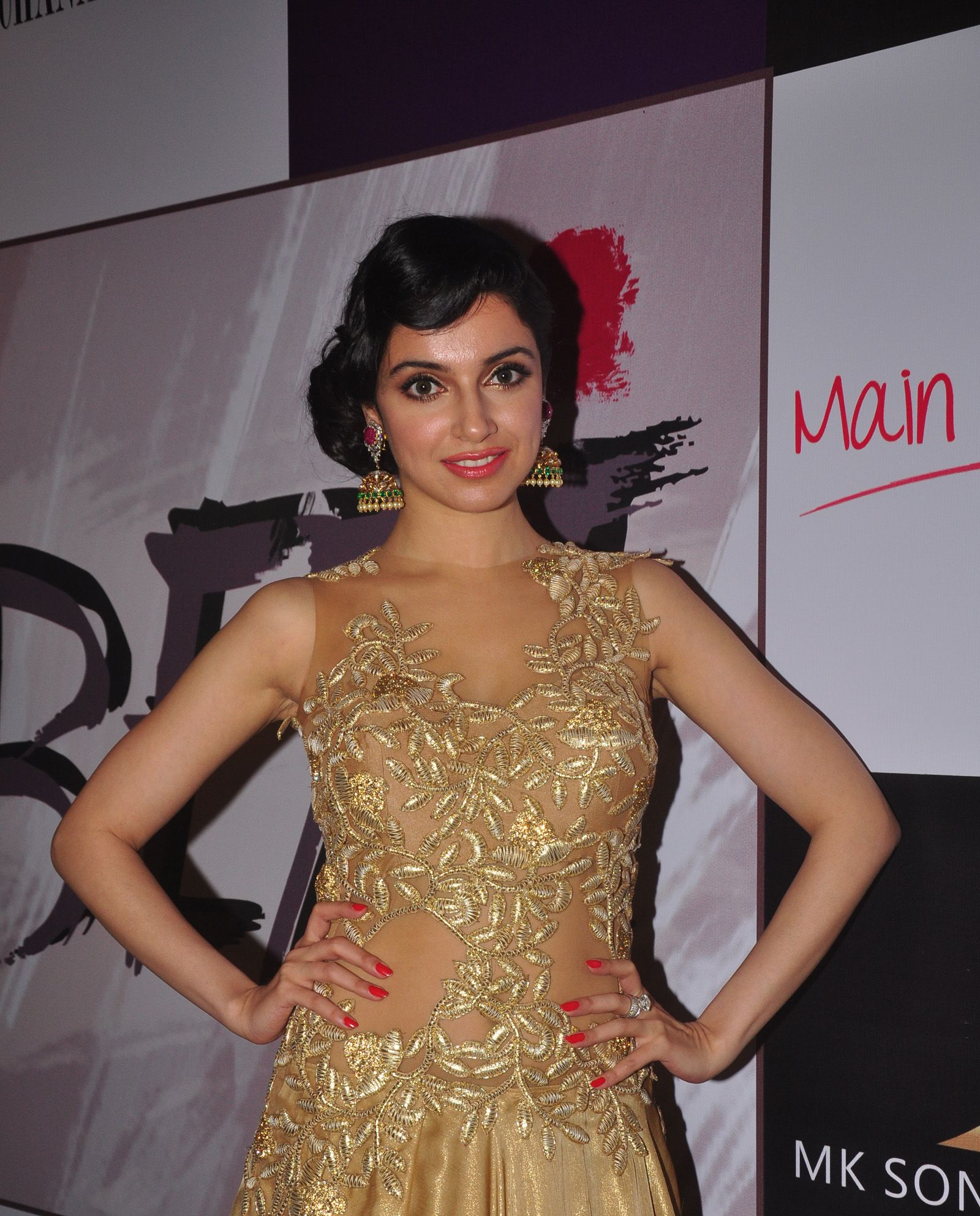 Divya Khosla Kumar 3 at a fashion show to stop girl child abuse in association with Anu Ranjan's 'BETI' NGO & at the look launch of documentary Main Tamanna ...