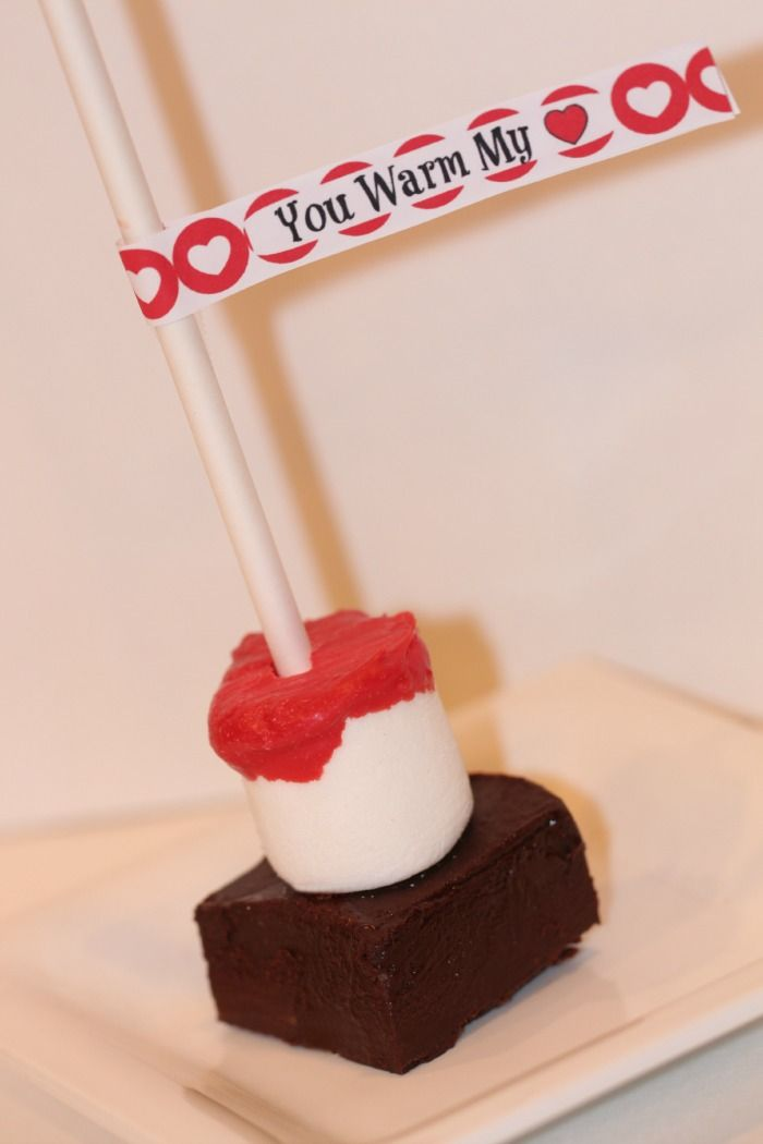 Hot Chocolate on a Stick - Valentines - Diapers-n-Heels http://www.diapers-n-heels.com/hot-chocolate-on-a-stick/