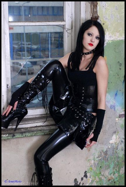 Pictures of women in latex